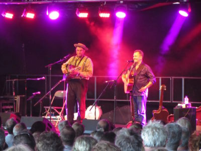 Martin Simpson and Wade Flemons, Tent